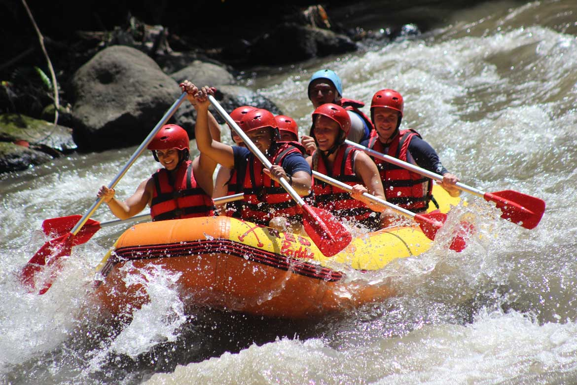 AYUNG RIVER WATER RAFTING