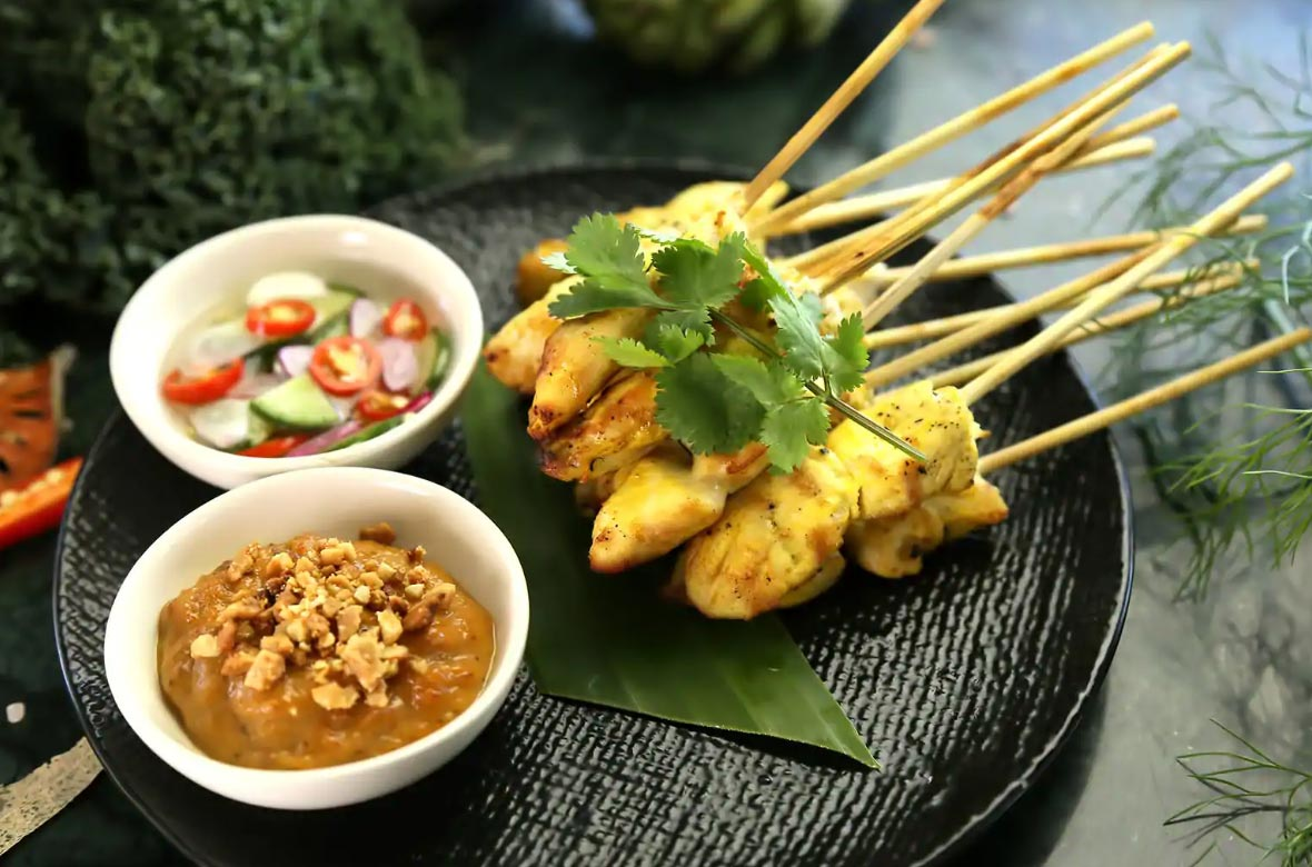 Eat delicious food at Hawker Center
