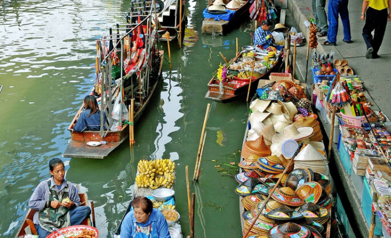 Experience an Authentic Floating Market