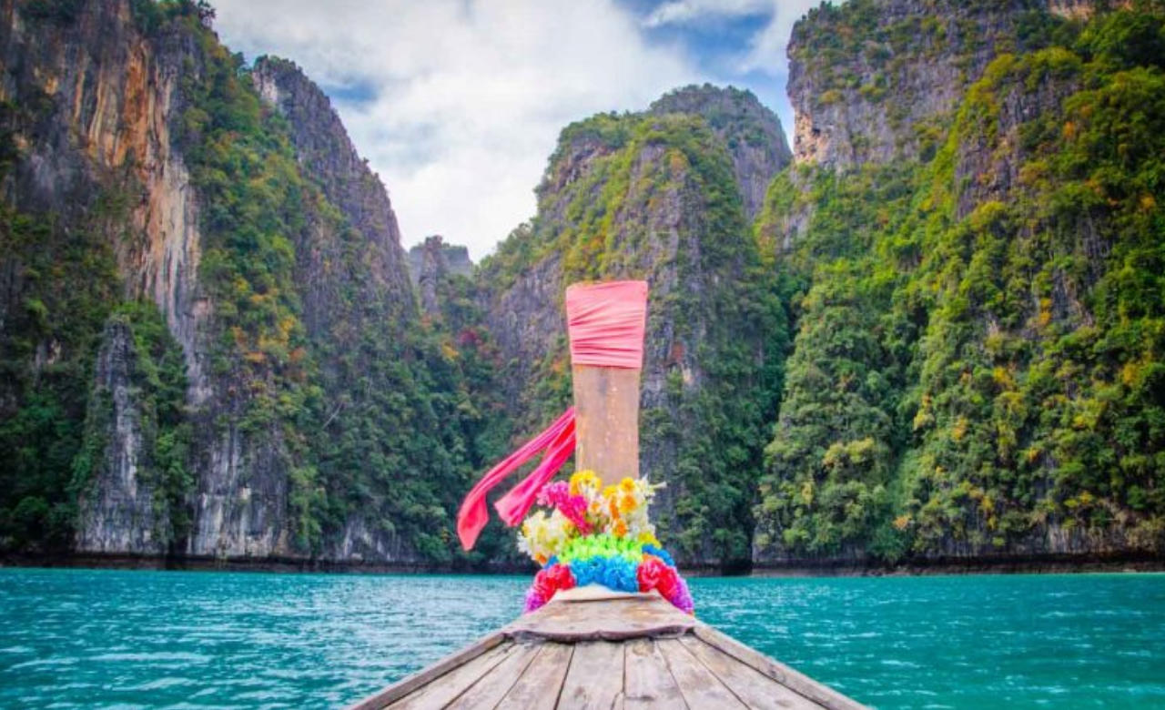 Go Camping in Phi Phi Island