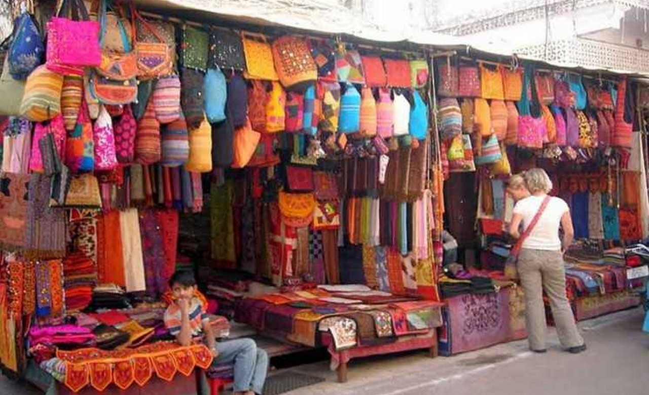 Get a Taste of Vibrant Rajasthani Culture at Chokhi Dhani