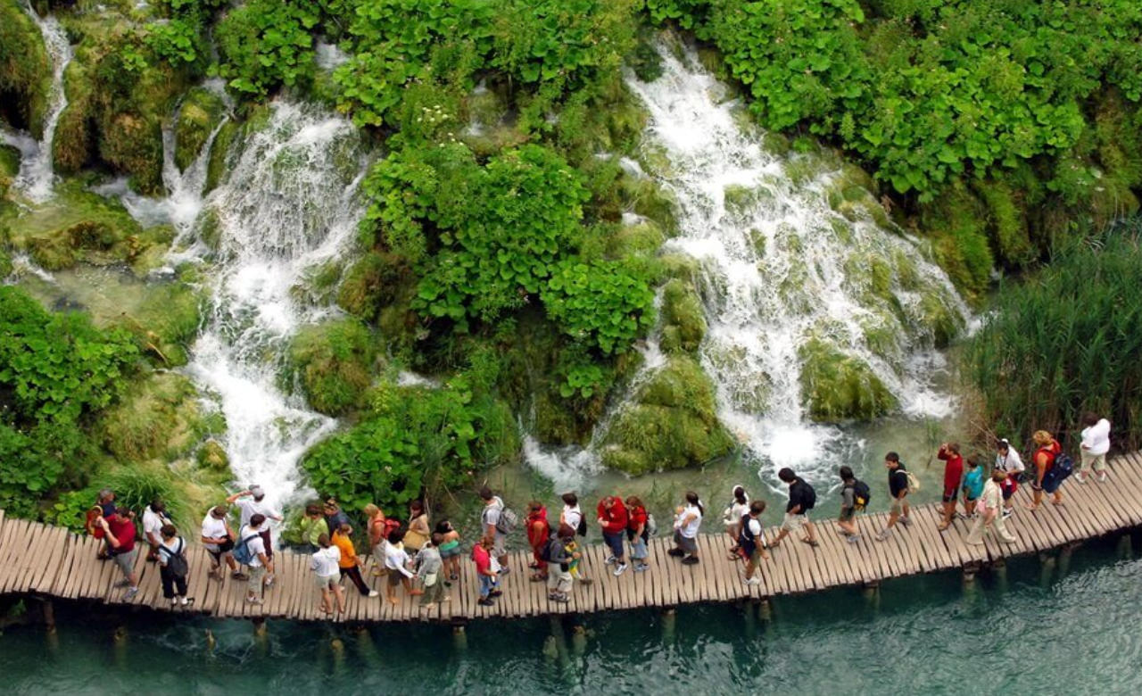 Plitvice Lakes  Day Tour from Zagreb