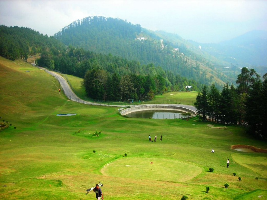 Go for a Visit to Golf Course in Naldehra