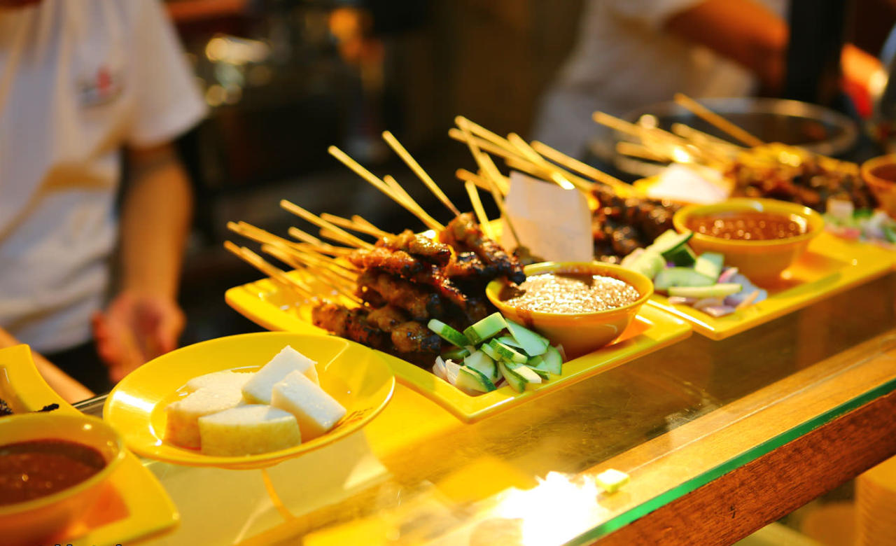 Try street food in Chinatown