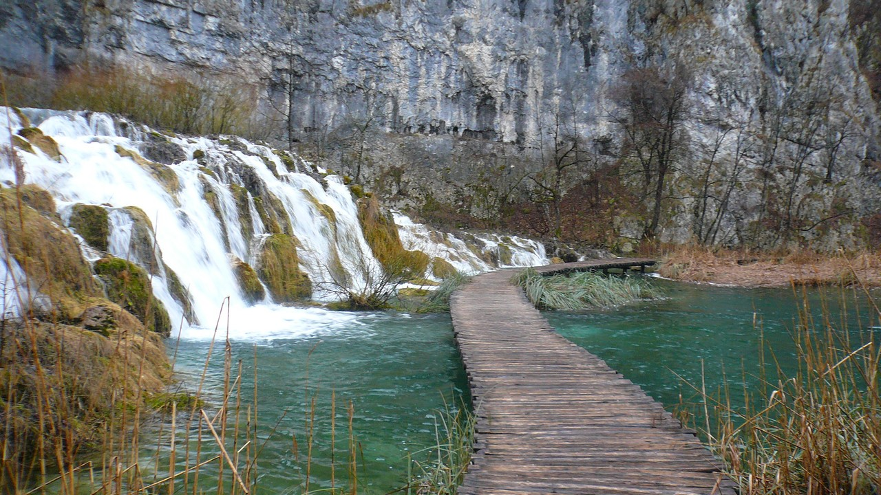 Plitvice Lakes National Park Full-Day Tour from Zadar