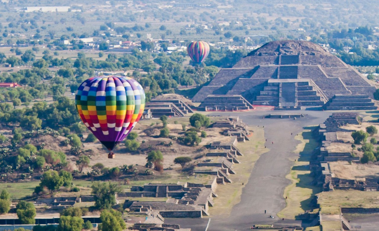 balloon ride in Teotihuacán
