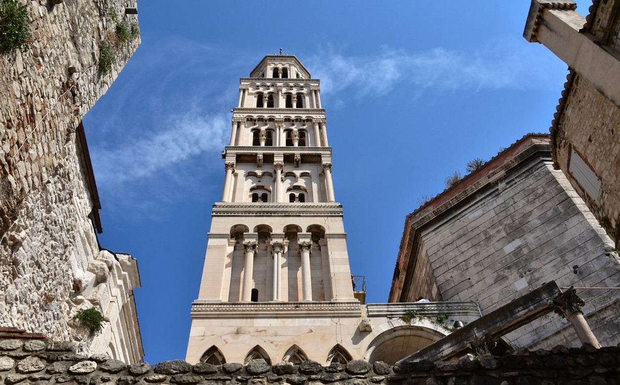 Walking tour in Split with a local guide - Diocletian's palace