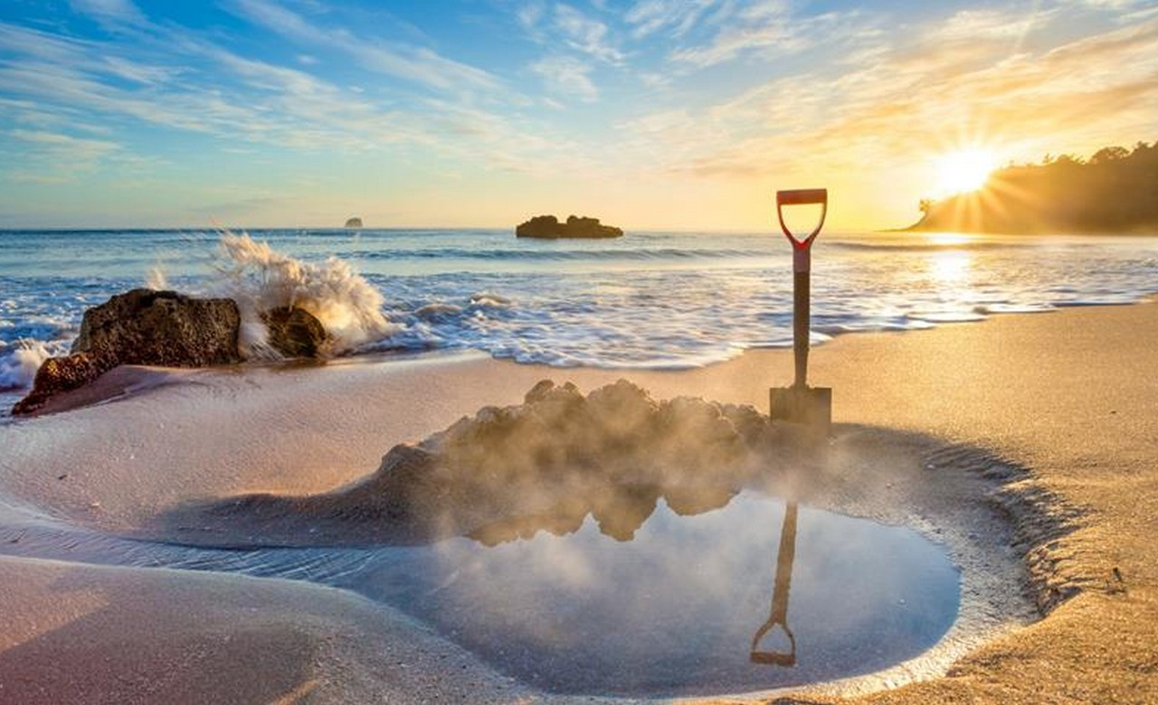 Dig your own Spa at Hot Water Beach