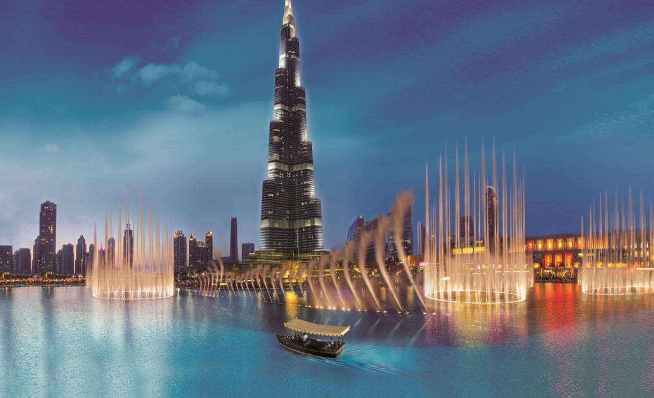 Dubai Mall with Burj Khalifa and Fountain Show