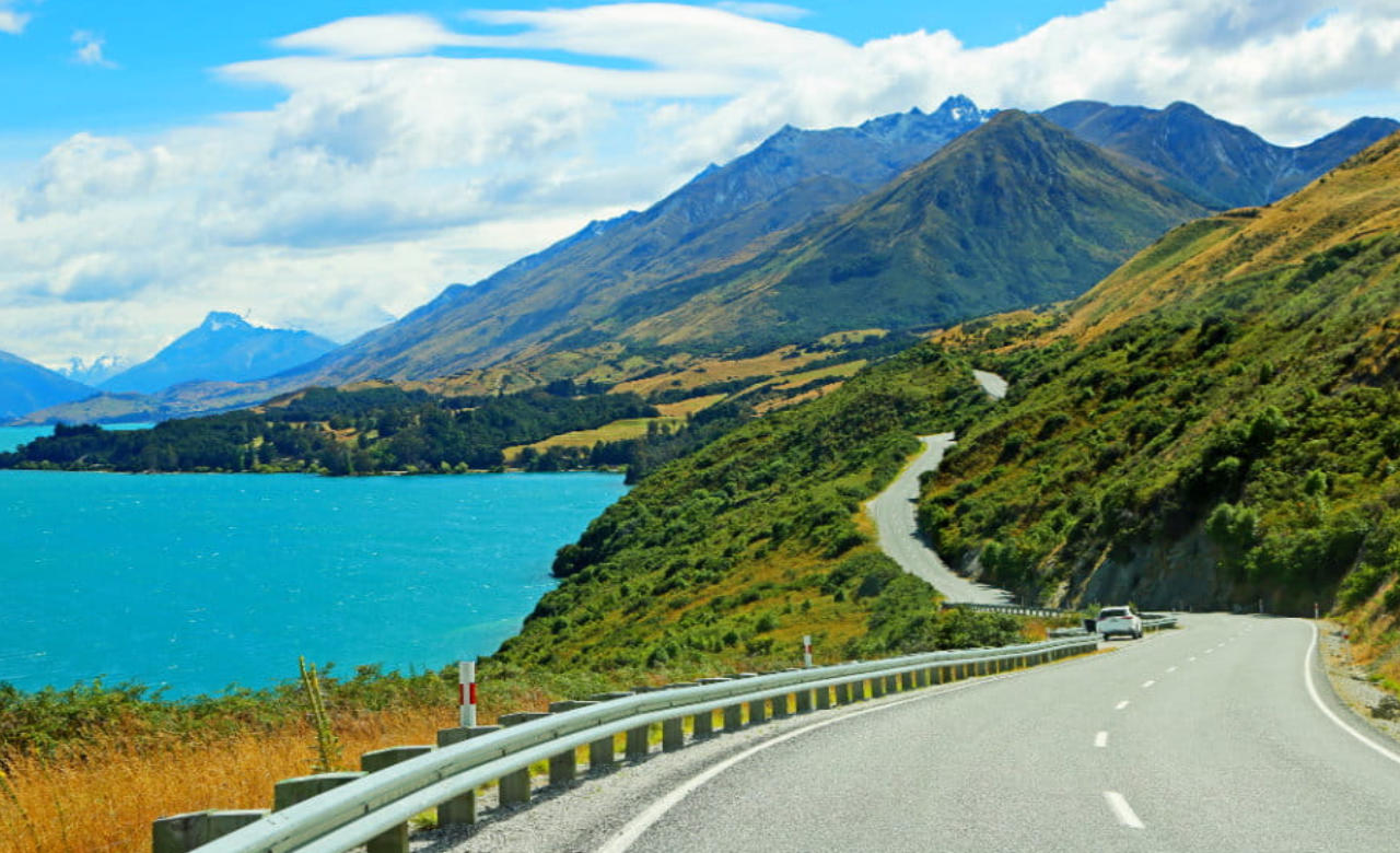 Drive the Queenstown - Glenorchy Scenic Drive