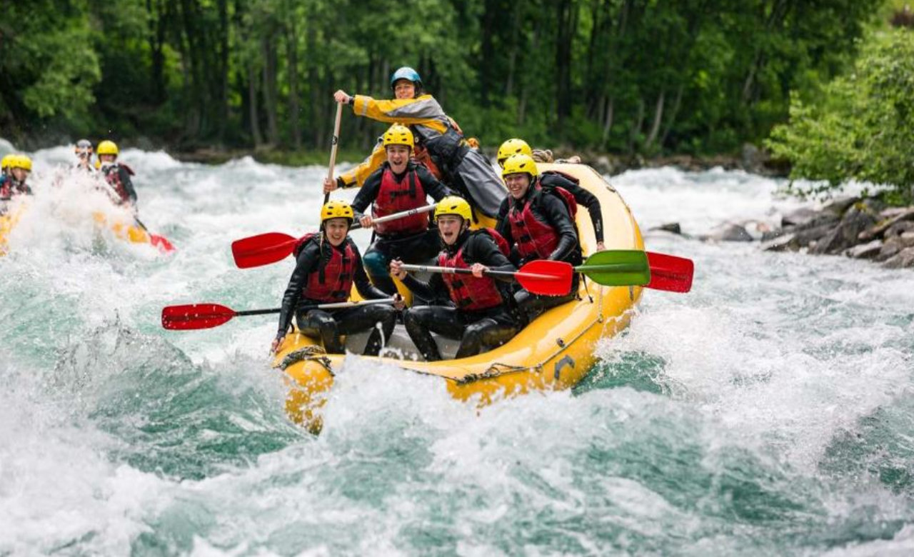 Try Thrilling River Rafting in Beas River