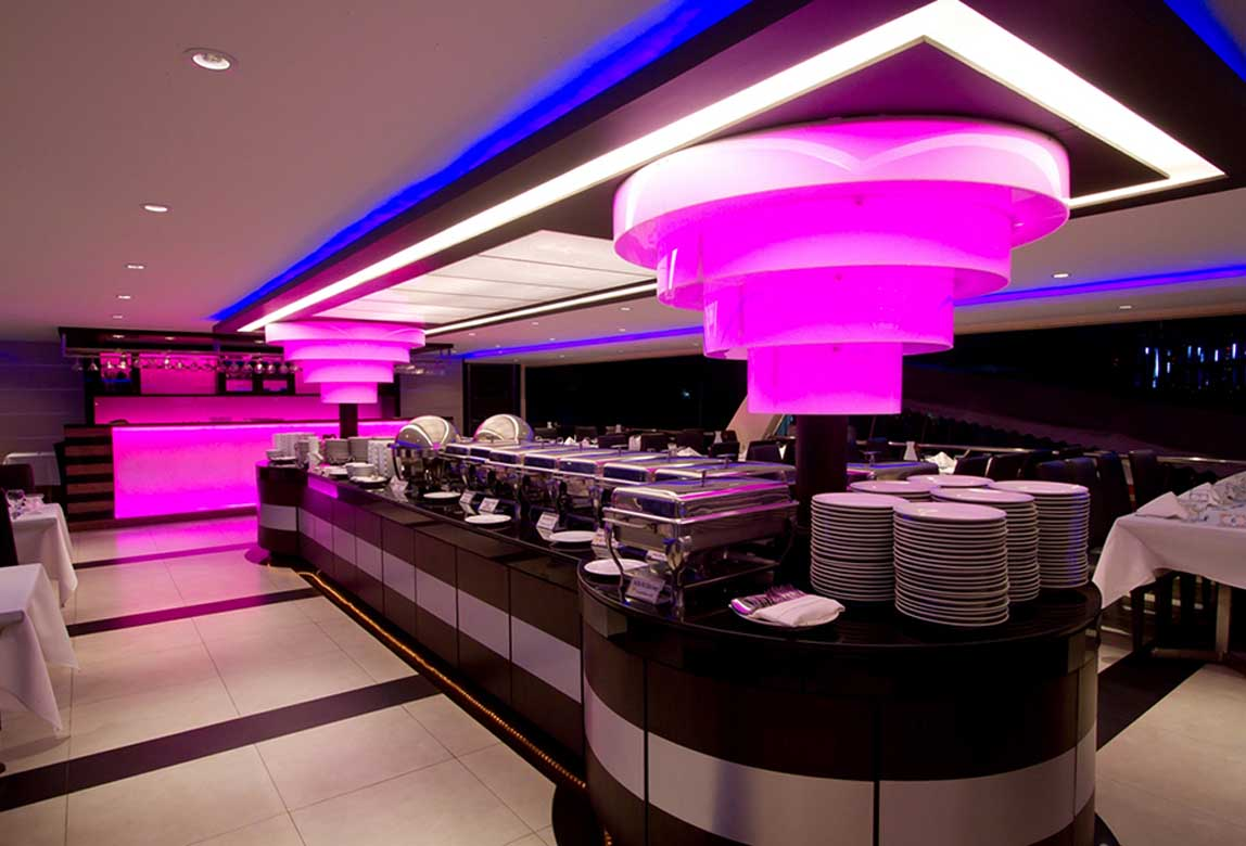Chaophaya Dinner Cruise 4