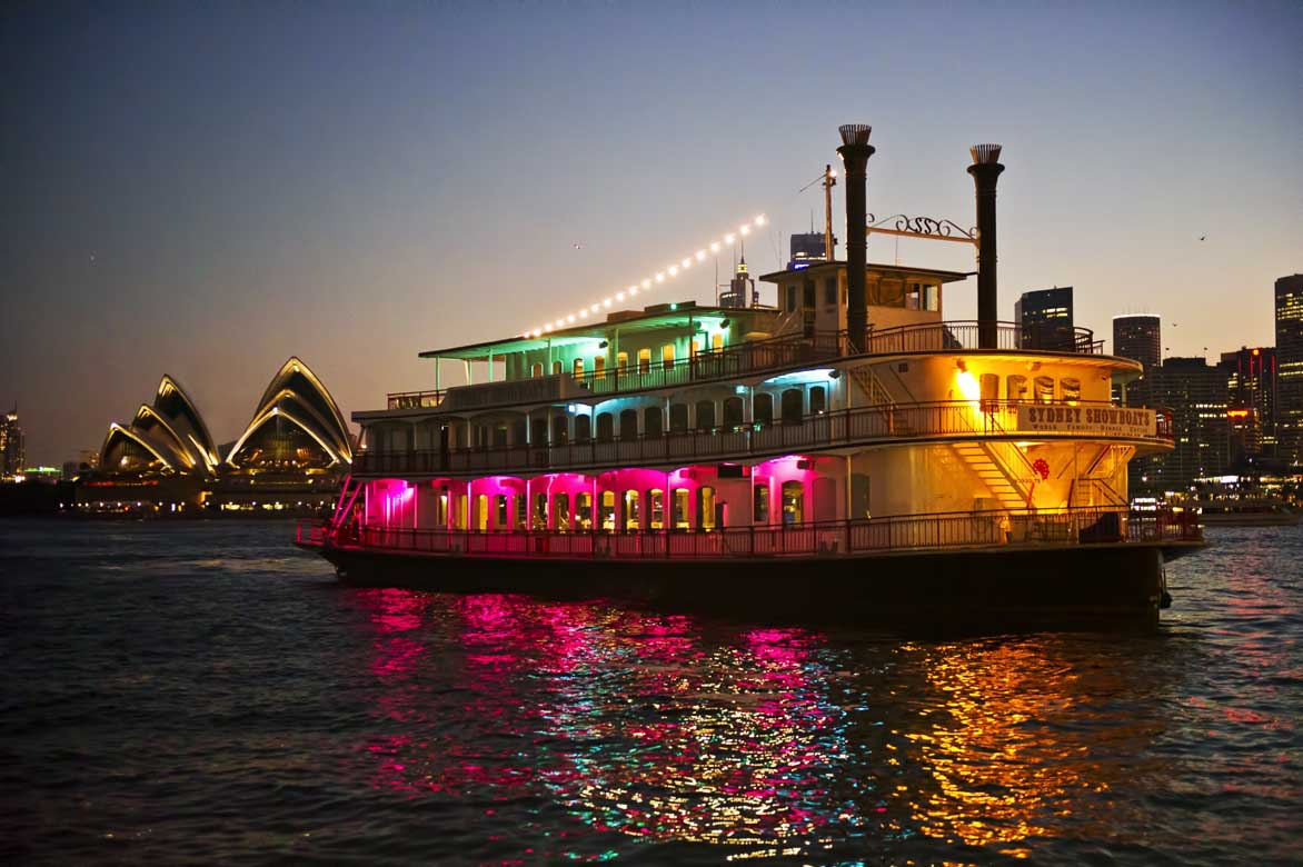showboat dinner cruise with indian menu