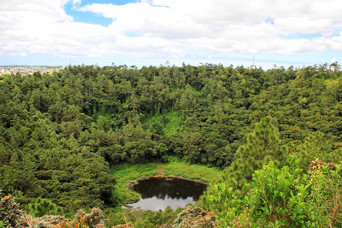 CRATER OF THE TROU AUX CERT